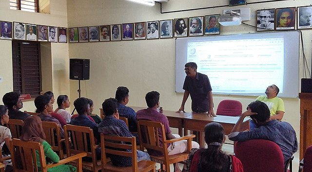 Introduction to Wikipedia at Kodungallur Kunjhikkuttan Thampuran Memorial College, Pullut